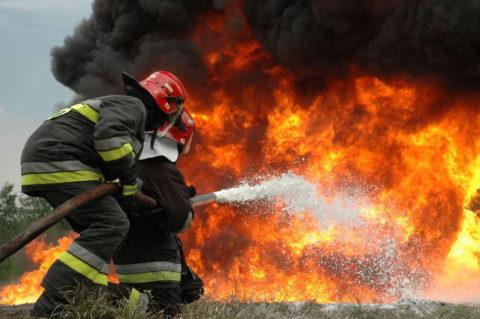 Работа пожарных на высоте